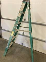 6 ft fiberglass ladder