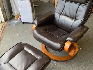 Flash Furniture Leather Recliner with Ottoman