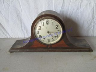 SESSION S MANTlE ClOCK