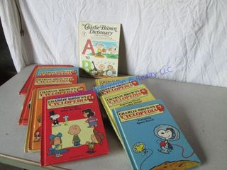 CHARlIE BROWN S CYClOPEDIA S