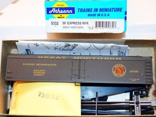 Great Northern 2038 Wood Express Reefer Athearn HO