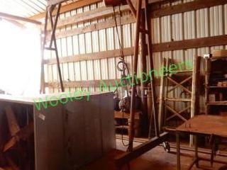 Gantry Crane On Wheels w/ Dayton ½ Ton Chain