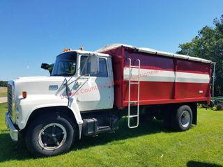 1975 Ford LN700 Single Axle Grain Truck