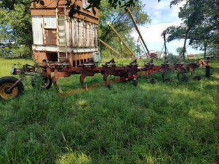 Wilrich 8x18 Hinged Plow