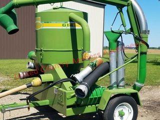 Walingra 614 Deluxe Grain Vac w/ Intake Hoses - 6