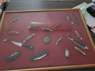 NICE WOOD SHADOW BOX OF KNIVES