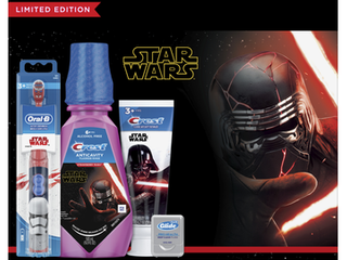 Crest   Oral B Kids Star Wars Premium Holiday Gift Pack with Power Toothbrush  4 2 Oz Toothpaste  16 9 Fl Oz Mouthwash and Floss