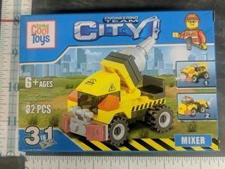 Lego style building blocks mixer