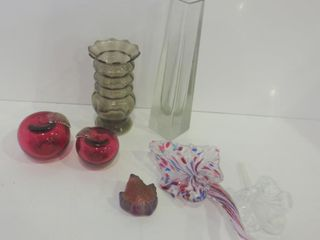 ART GlASS VASES  APPlE PAPERWEIGHTS