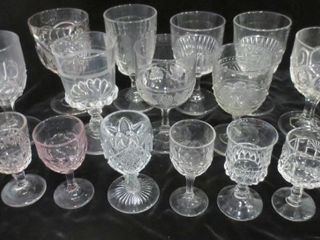 9 WINE GOBlETS AND 8 lIQUEUR GlASSES   ASSORTED