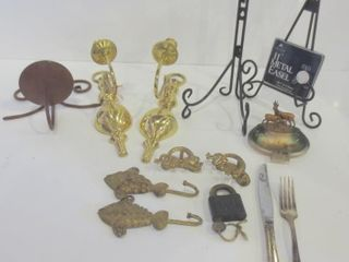12  BRASS WAll MOUNTED CANDlE HOlDERS  METAl