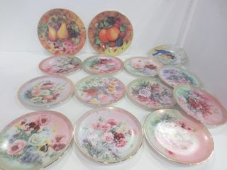 SET OF 11 FlORAl COllECTOR PlATES   SIGNED AND