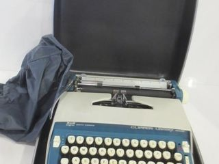 SMITH CORONA ClIPPER MANUAl TYPEWRITER IN CASE