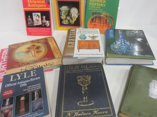 BOOKS ON ANTIQUES AND COllECTIBlES   SUSIE COOPER