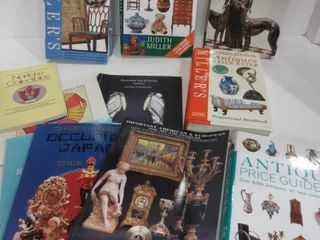 BOOKS ON ANTIQUES AND COllECTIBlES   OCCUPIED