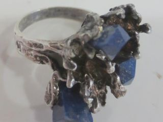 STERlING RING WITH lAPIS STONES   SIZE 7