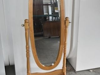 OVAl WOOD STANDING MIRROR  23  X 59 5