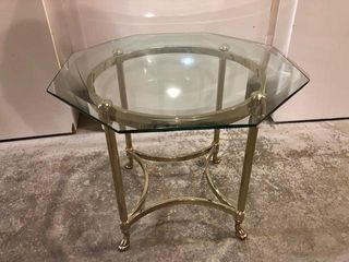 28  OCTAGON GlASS TOP TABlE W  BRASS BASE