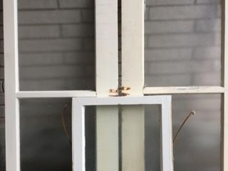 STORM WINDOWS WITH ORIGINAl FROSTED GlASS 3