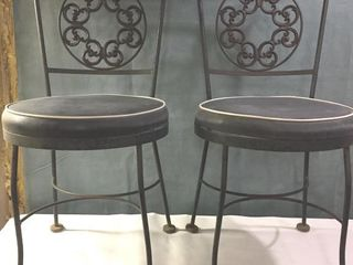 PAIR OF 1950 S WROUGHT IRON CHAIRS   CHARCOAl