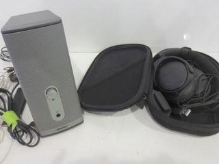 BOSE HEADPHONES WITH CASE  MUlTIMEDIA SPEAKER