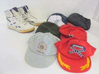 REEBOK RUNNING SHOES  SIZE 8 5  CAPS