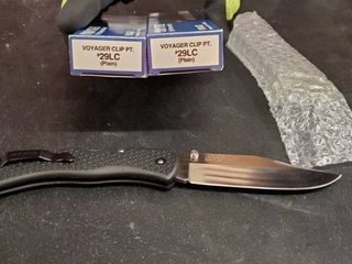 2 Cold Steel Voyager Clip  29lC Knife