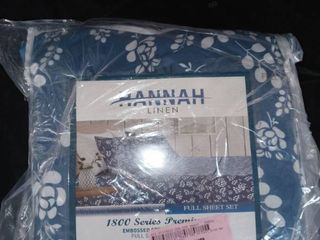 Hannah 4 piece Floral Full size sheet set  Navy blue