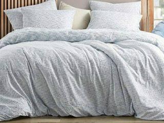 Jacquard Oversized King Comforter  Saltwater Navy 112 x98   2 Shames 20 x36 2