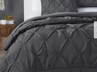 Kotter Home Pinch Pleat Pintuck Comforter Queen Size