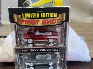 Johnny lightning 1956 Chevy Convertible Tri chevy limited Edition First Shot Nip