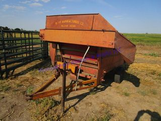 KEllY RYAN FEED WAGON