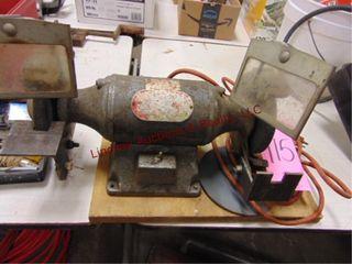 Bench grinder 1 3hp mod  41682D802 WORKS