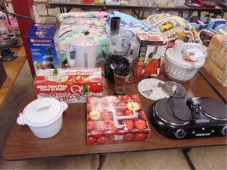 10 pcs kitchen items  B D blender  veggie slicer