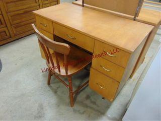 7 drawer wood desk   chair  42 x 20 x 30