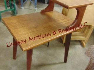 Wood 2 tier side table 18 x 24 x 31