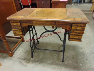 vintage sewing table 34 x 19 x 29
