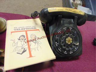 Black vintage rotary dial telephone w  book
