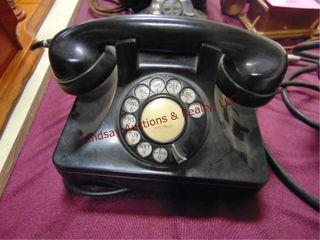 Black Vintage rotary dial phone