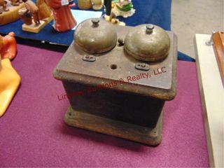 Wood ringer box