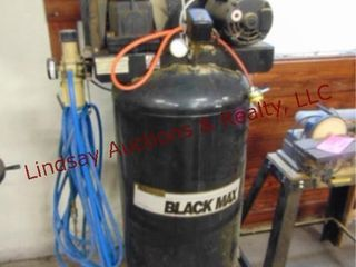 Sanborn Blackmax Mod  B500BPl60V vertical air comp