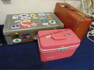 2 vintage suit cases   pink makeup suitcase IJ