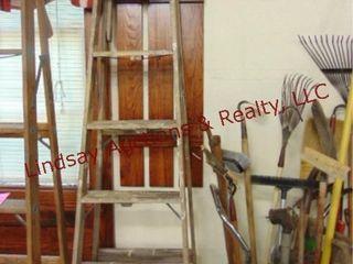 8ft wood ladder