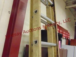 16ft fiberglass ext ladder  davidson pro series