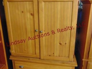 wood 2pc tv cabinet  2 drawers  1 leg is broken