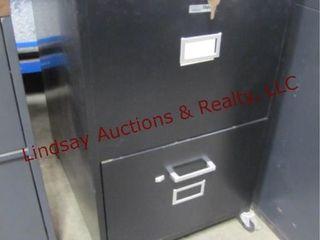 Rolling 2 drawer file cabinet w  keys