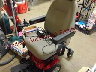 Jazzy Select motorized whl chair  NEEDS BATTERIES