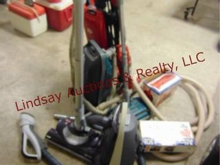 Group of vacuums  SEE PICS