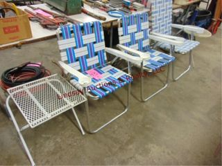 3 folding lawn chairs   2 metal side tables