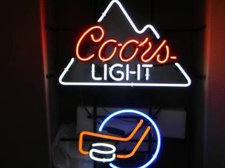 NEW IN BOX!!!!! ONLY OPENED FOR PICTURES!!!!! - RARE!!!!! COOR'S LIGHT HOCKEY NEON LIGHT! - ANOTHER AWESOME PIECE FOR THE CAVE!!!!! - APPROX 20